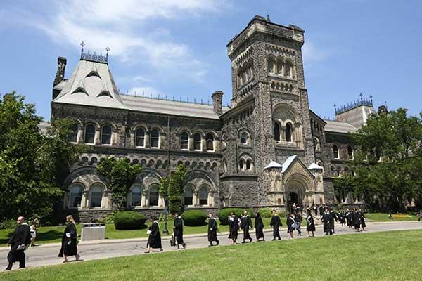 Faculdade no Canadá